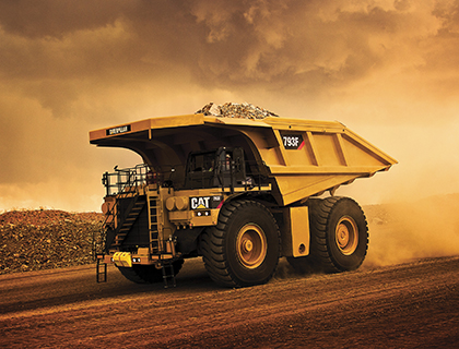 Caterpillar produces 5 000th 793 mining truck PIC