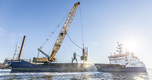 Liebherr's largest hybrid duty cycle crawler crane deployed
