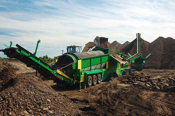 McCloskey 628RE trommel screeners are designed for flexibility and high efficiency